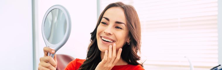 La calidad en los tratamientos de implantes dentales <div id='b'> <span class='sb'><br><strong>Dr. Ángel Fernández Bustillo</strong>. Nº Col. 6114-NA</span></b>