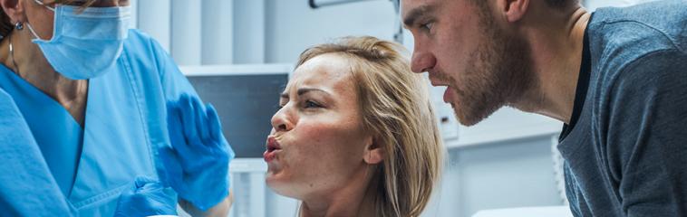<h1 class='entry-title h2-style'>Efectividad de la rotación manual para la rotación de la cabeza fetal en la sala de paritorios</h1><div id='b' style='margin-bottom: 10px;'> <span class='sb'><br><strong>María Domínguez Mejías y Laura Falcón Carvajal</strong>. Enfermeras Especialistas en Obstetricia y Ginecología. Hospital Materno-Infantil. Málaga<strong> Carmen Carrasco Moreno</strong>. Enfermera. Especialista en Obstetricia y Ginecología. Complejo Hospitalario de Navarra</span></b>